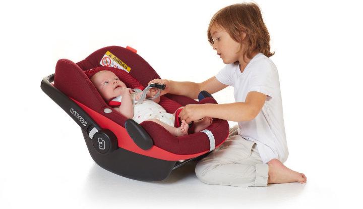 scaun auto bebelus siguranta masina bebelusi