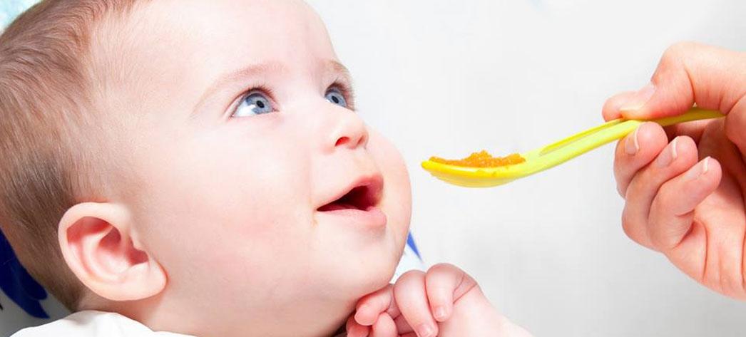 Mancare bebelusi - Ghid complet pentru alimentatia bebelusilor