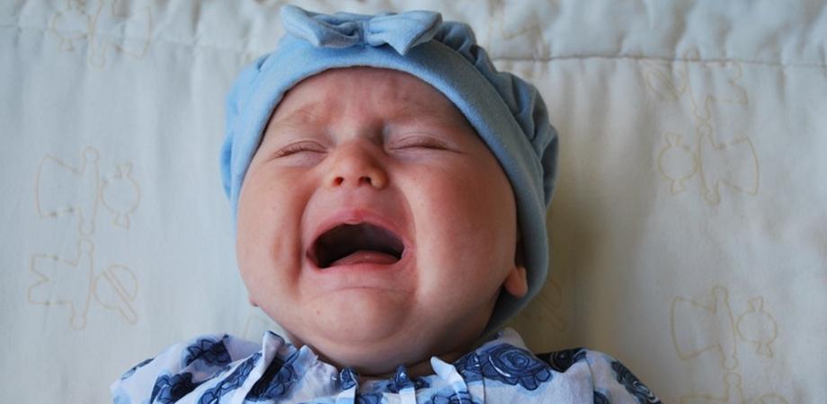 spasmul hohotului de plans la bebelusi