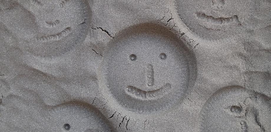 jocul cu nisip kinetic