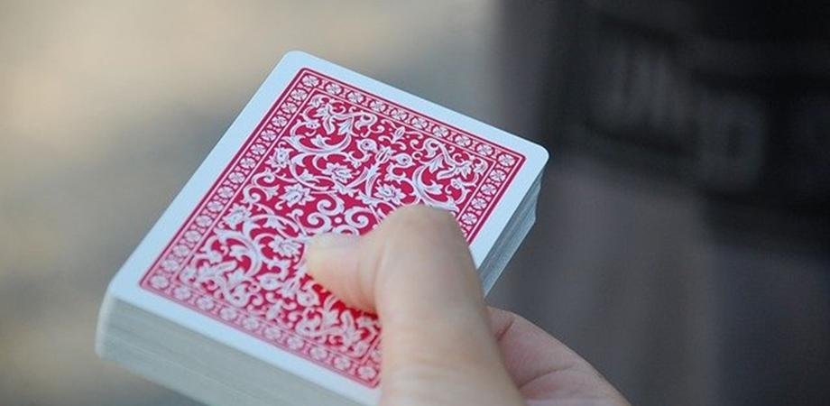 beneficiile jocurilor de carti pentru copii