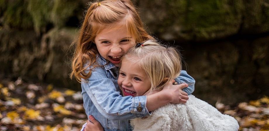 copil prietenos