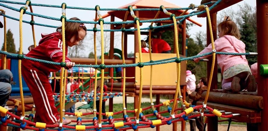 jocul impreuna cu alti copii