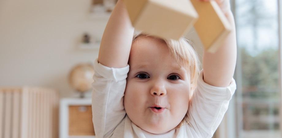 activitati-Montessori-pentru-bebelusi-idei