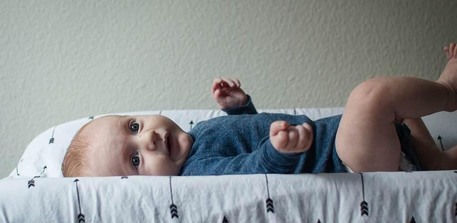 scaunul bebelusului pe etape